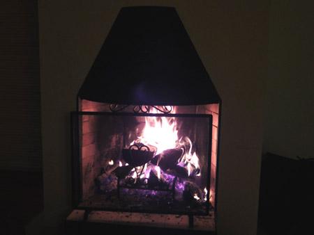 暖炉を楽しむ