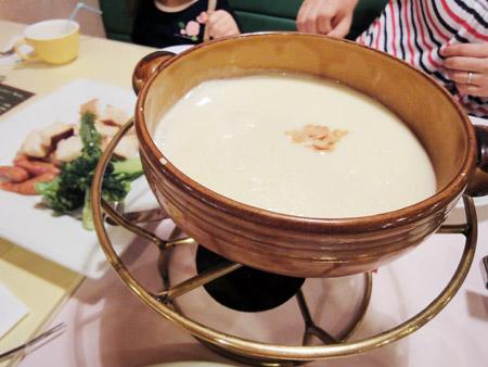キャナリィ・ロウのチーズフォンデュ