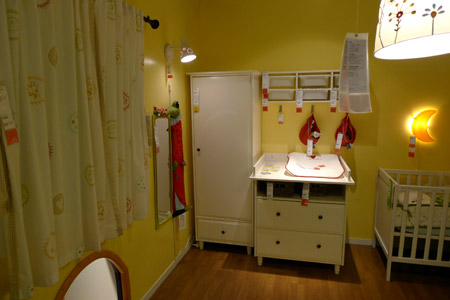 落ち着いたデザインの家具に子供らしいワンポイントを