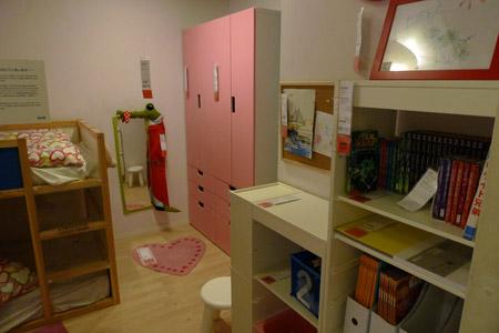 子供部屋に置かれた収納家具STUVA