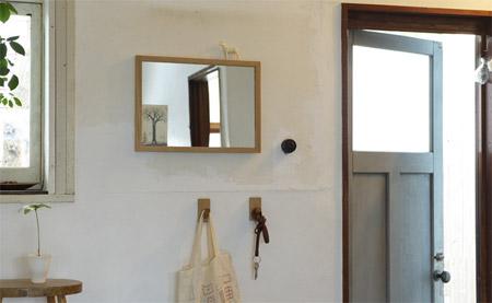 無印「壁に付けられる家具」のフックを玄関に