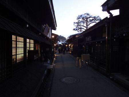 飛騨高山の夜の三之町