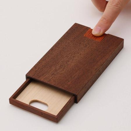 木工デザイン製作所/押型名刺ケース ウォールナットの写真